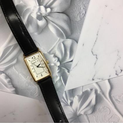 <新作>アニエスベーの腕時計でクラシカルな女性へ、、