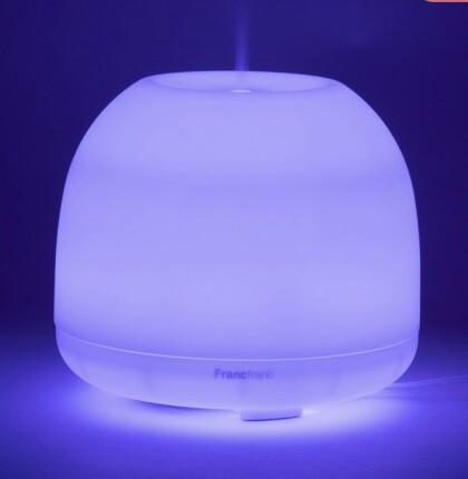 光が7色に変化するイルミネーション加湿器✨