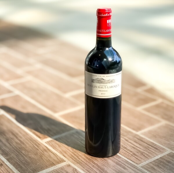 数十万の高級ボルドーと同評価を獲得した、職人の赤ワイン!