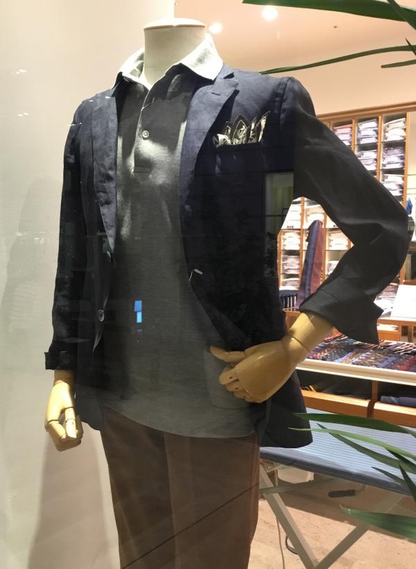 軽快なシャツ屋のジャケット