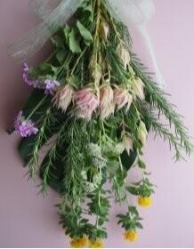 生花とハーブで春夏を彩るスワッグ作りレッスン