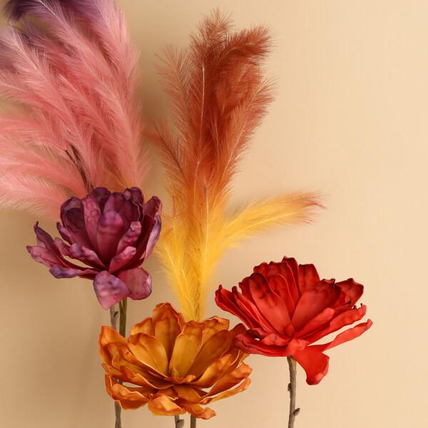 造花も種類豊富にご用意しております🌸