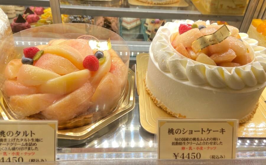 今が旬の桃のショートケーキ