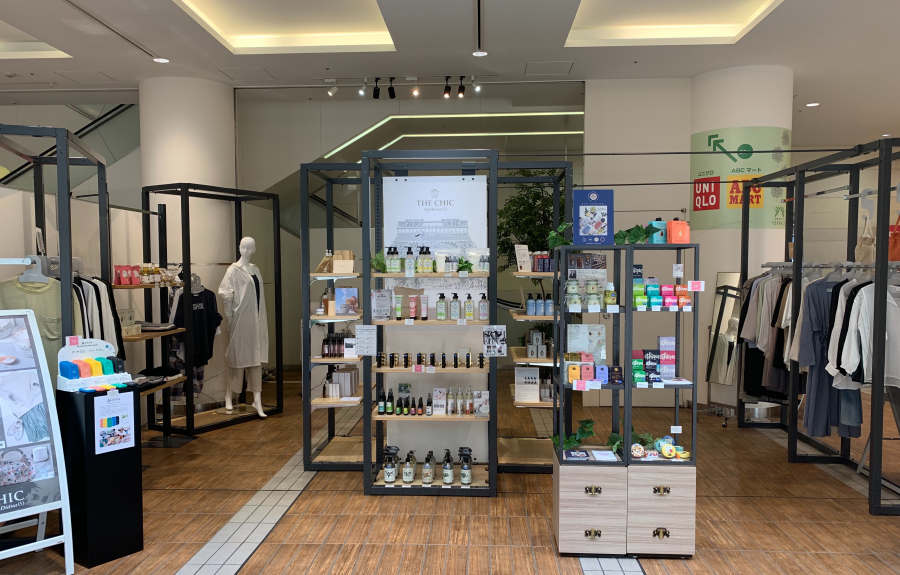 THE CHIC のプチ店舗が登場!!